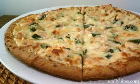 Alfredo chicken spinach pizza